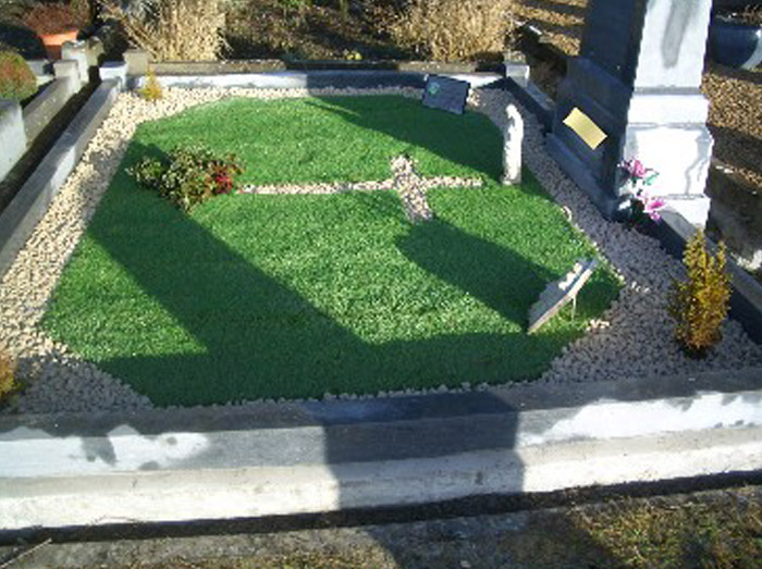 Artificial Grass for Graves