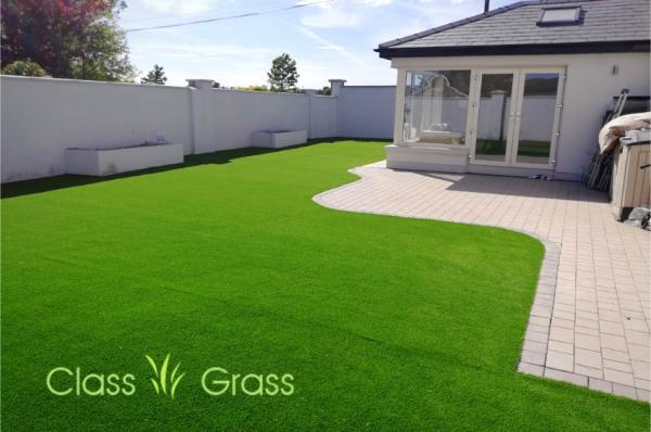 Large garden with 25mm Artificial Grass