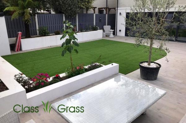 Elegant Synthetic Lawn Garden