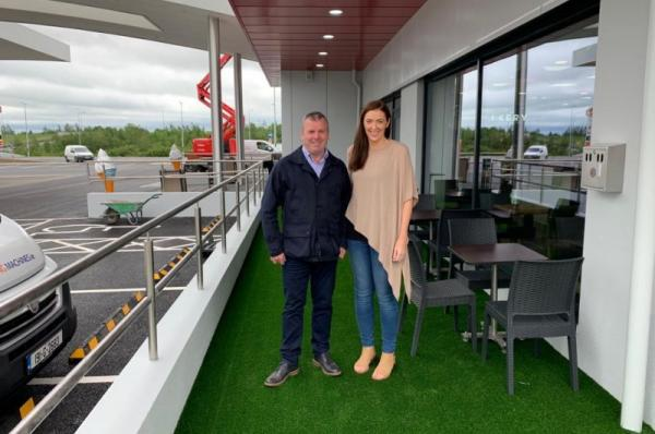 artificial grass for supermacs